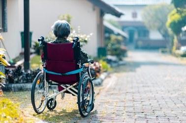 Pokonali koronawirusa, teraz grozi im Alzheimer?