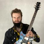 Pol'and'Rockowa gitara od Szymona Chwalisza na rzecz WOŚP: Padnie rekord?