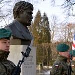 Pół miliona złotych z budżetu Krakowa na budowę pomnika gen. Kuklińskiego