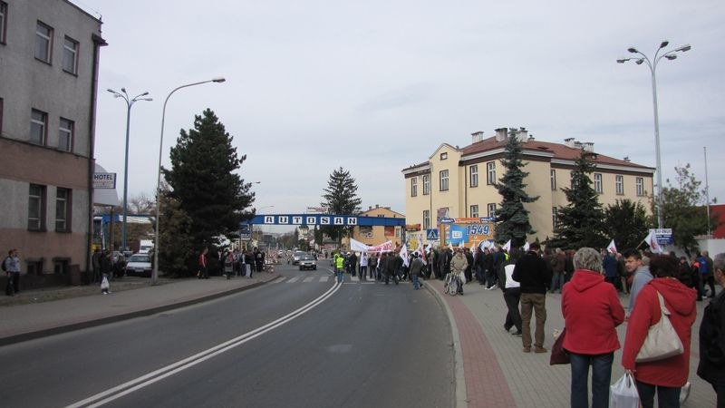 Pół tysiąca osób wyszło na ulice Sanoka /Józef Polewka /RMF FM