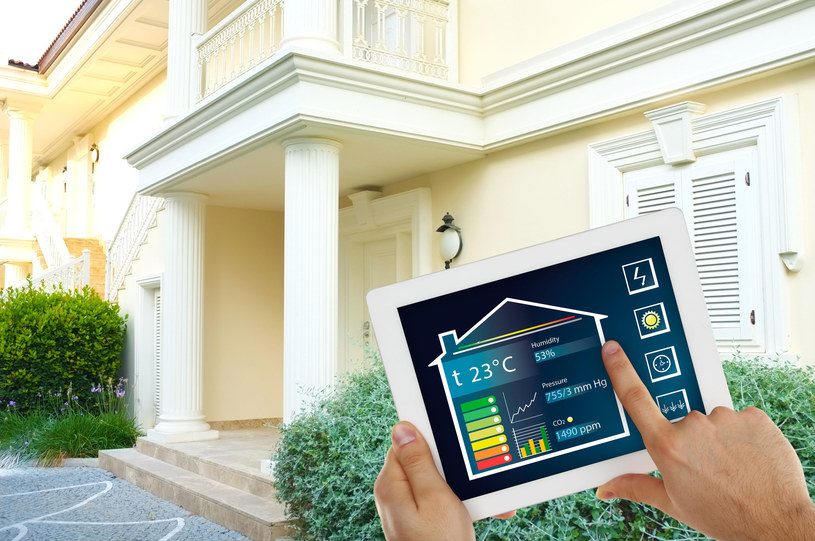 Polacy będą mieć inteligentne liczniki prądu /123RF/PICSEL