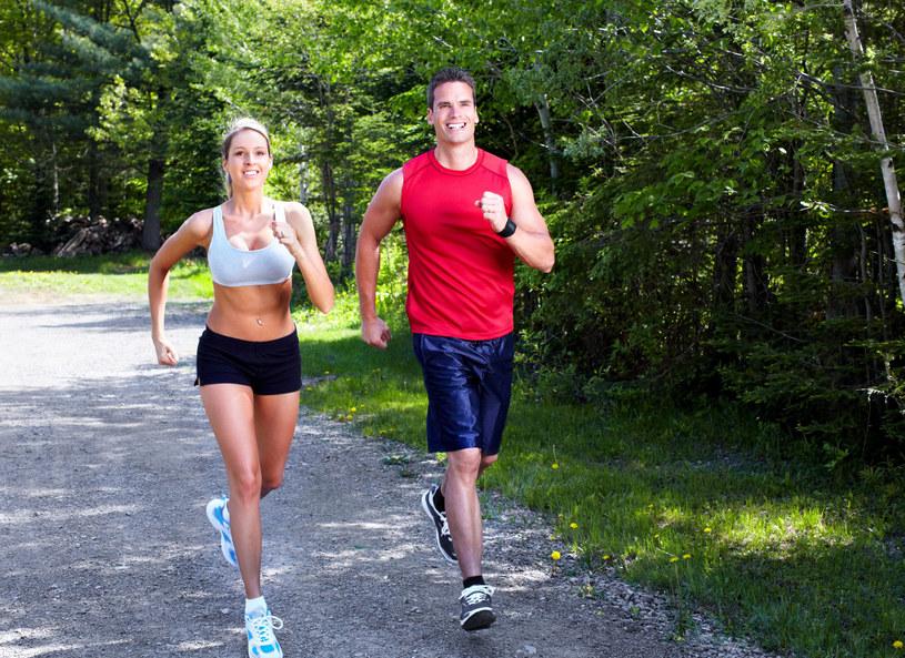 Polacy biegają coraz więcej i częściej! To sport, który spala tłuszcz, poprawia kondycję i przywraca dobry humor /123RF/PICSEL