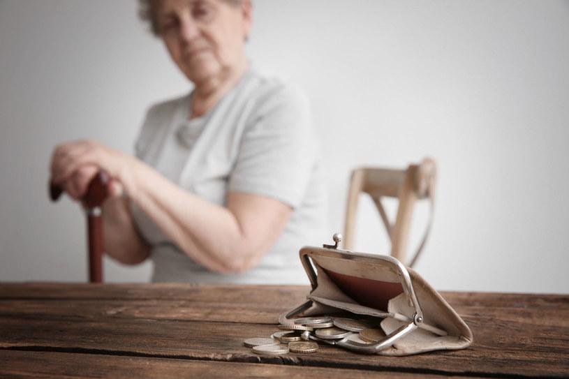 Polacy boją się ubóstwa na emeryturze. /123RF/PICSEL
