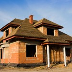 Polacy budują coraz mniejsze domy – raport GUS