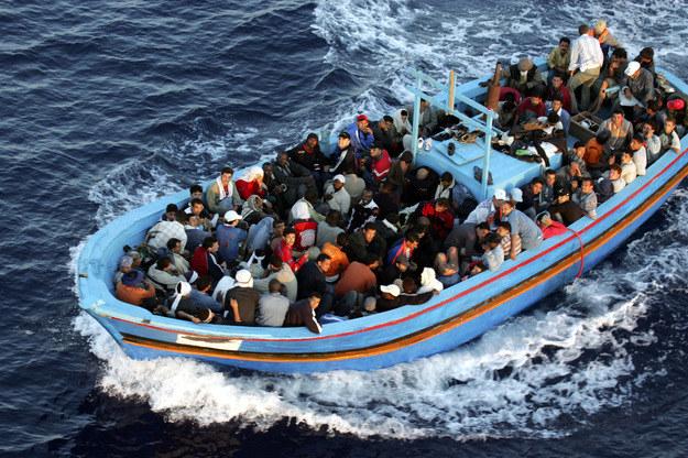 Polacy chcą przyjąć uchodźców? /AFP