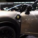 Polacy chętnie kupią samochody elektryczne. Ale...
