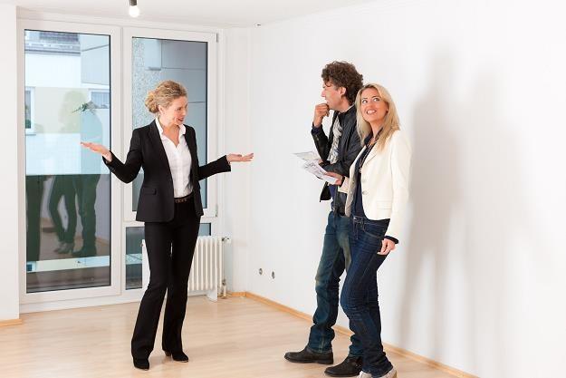 Polacy chętnie kupują mieszkania z rynku wtórnego /©123RF/PICSEL