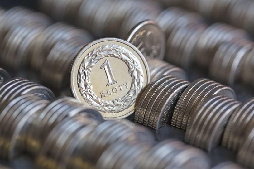 Polacy chętnie kupują obligacje skarbowe /Andrzej Bogacz /Agencja FORUM
