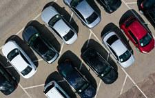 Polacy ciągle sprowadzają stare auta. Średnio 12-letnie