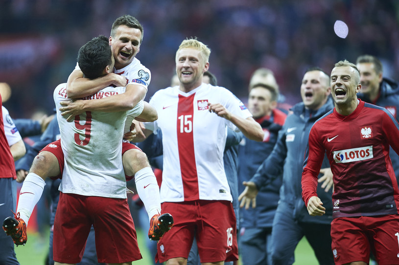 Polacy cieszą się z awansu na Euro 2016 /ADAM NURKIEWICZ /Getty Images