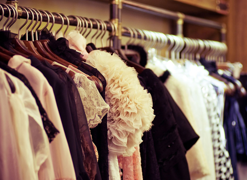 Polacy coraz bardziej interesują się modą /123RF/PICSEL