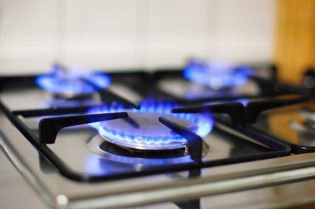 Polacy coraz częściej zmieniają sprzedawców gazu /© Panthermedia