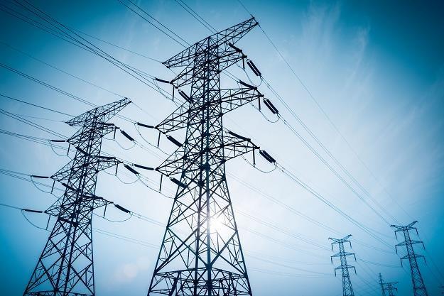 Polacy często decydują się na zmianę dostawcy energii elektrycznej w wyniku odwiedzin akwizytora /©123RF/PICSEL