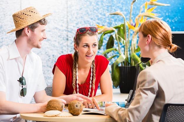 Polacy kochają tygodniowe wyjazdy /©123RF/PICSEL
