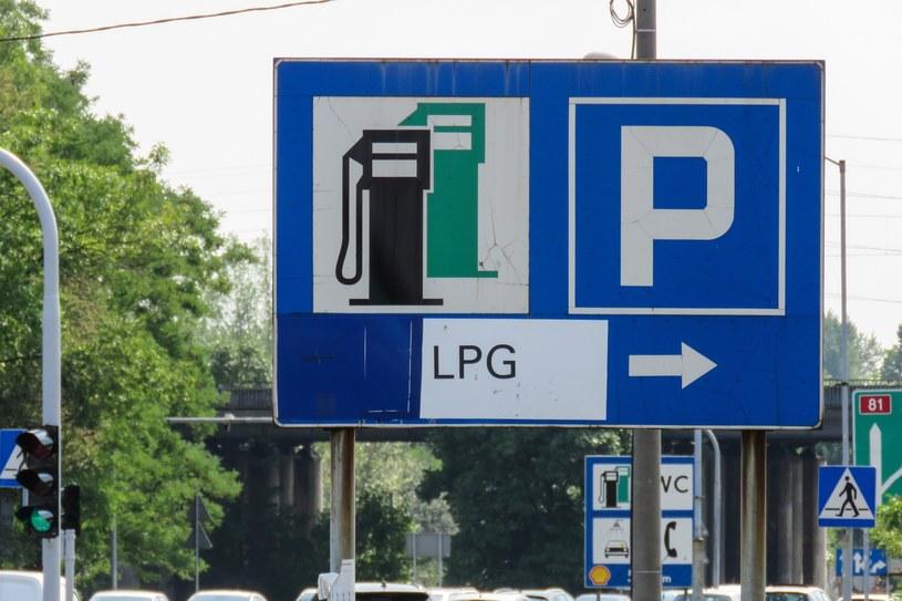 Polacy kupili mniej samochodów na LPG /Tomasz Kawka /East News