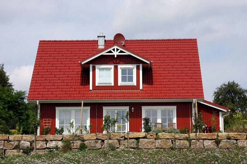 Polacy kupują domy poza miastami /123RF/PICSEL