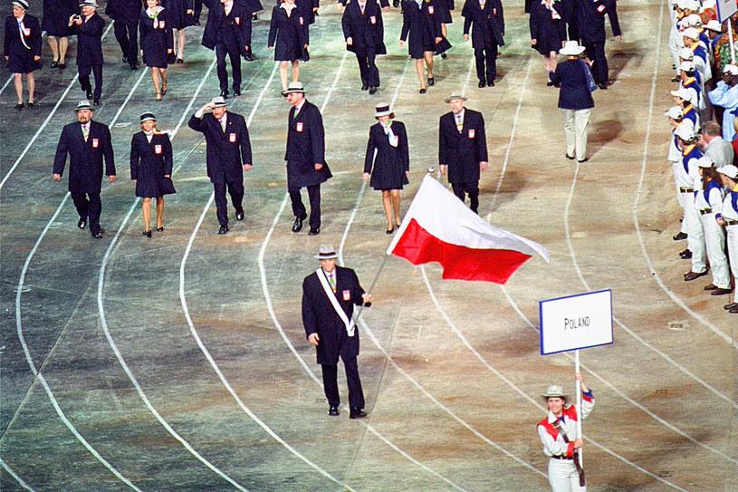 Polacy na igrzyskach w Sydney w 2000 r. /Ross Kinnaird /Allsport /Getty Images