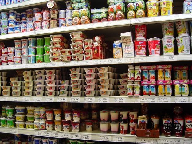 Polacy na zakupy świątecznych artykułów spożywczych najchętniej wybierają dyskonty /©123RF/PICSEL
