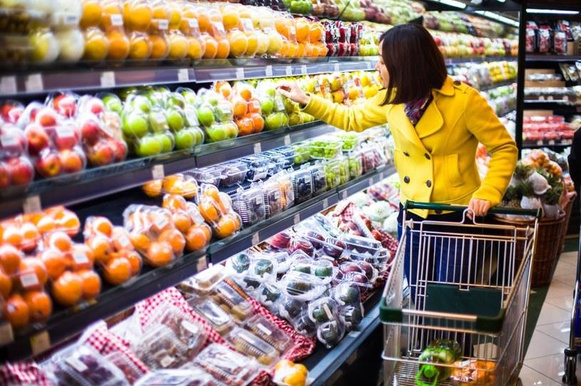 Polacy najtaniej kupują warzywa w hipermarketach /©123RF/PICSEL