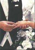 Polacy najwyżej cenią sobie instytucję małżeństwa /INTERIA.PL