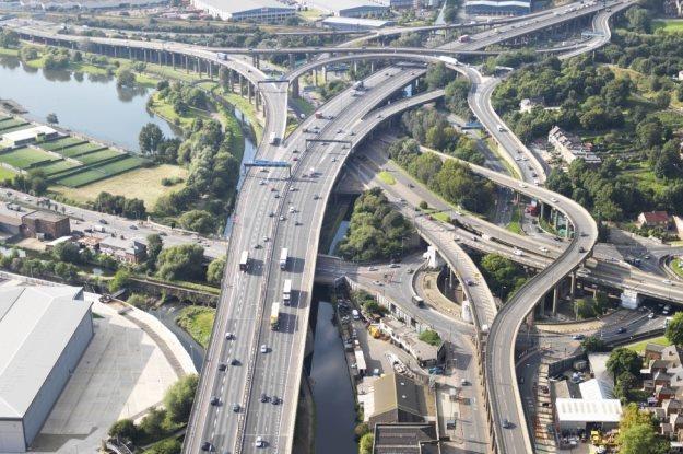 Polacy nie chcą płacić za angielskie autostrady /