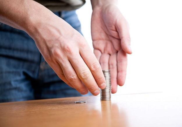 Polacy nie odkładają na emeryturę, bo nie mają na to pieniędzy /©123RF/PICSEL