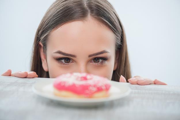 Polacy nie stronią od słodyczy /©123RF/PICSEL