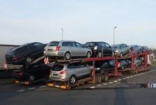 00078D98869S8S9X-C307 Polacy nieustannie wybierają samochody używane