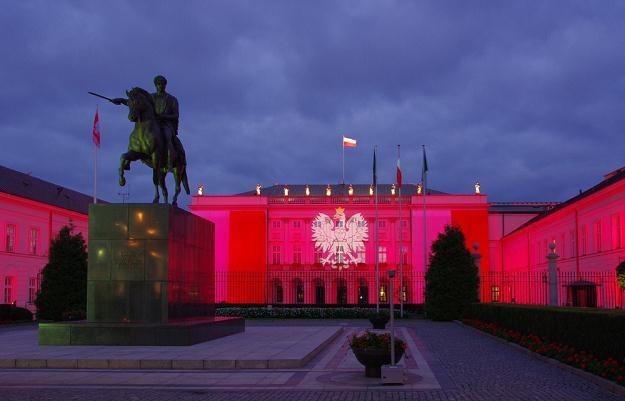Polacy ocenili sytuację w kraju /Marek Bazak /East News