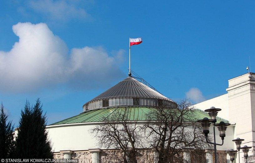 Polacy ocenili sytuację w kraju /Stanisław Kowalczuk /East News
