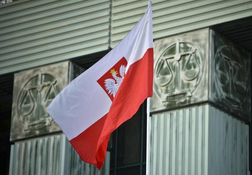 Polacy ocenili sytuacje w kraju /Włodzimierz Wasyluk /East News
