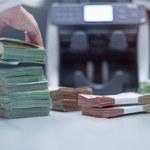 Polacy odkładają w bankach kolejne miliardy
