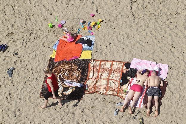 Polacy odpoczywają, gospodarka traci miliardy /PAP