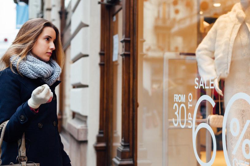 Polacy ograniczają zakupy ubrań, butów czy sprzętu (zdj. ilustracyjne) /123RF/PICSEL