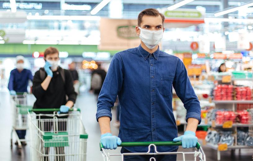 Polacy ograniczyli zakupy niektórych produktów /123RF/PICSEL