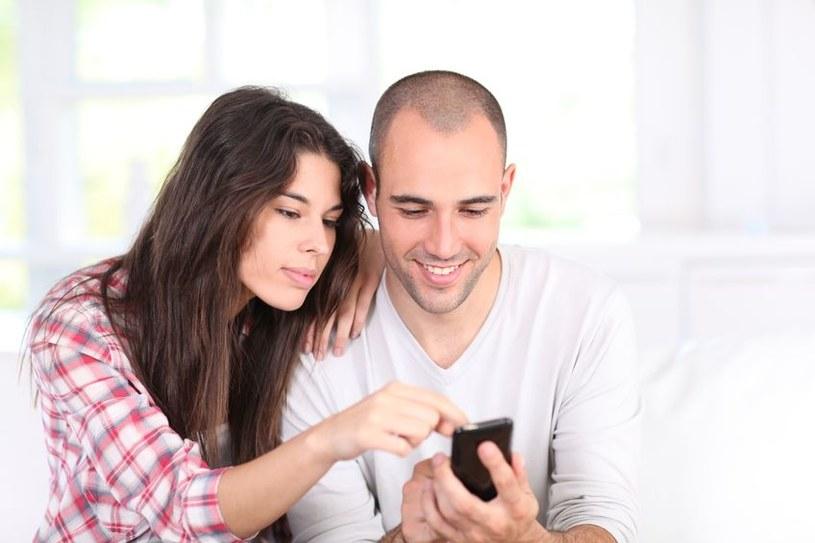 Polacy pokochali smartfony, ale zbytnio nie troszczą się o ich bezpieczeństwo /123RF/PICSEL
