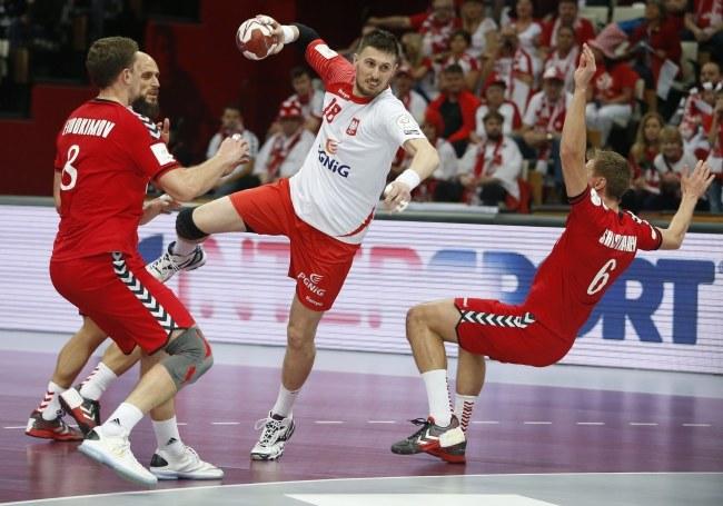 Polacy pokonali Rosjan 26:25 /GUILLAUME HORCAJUELO  /PAP/EPA