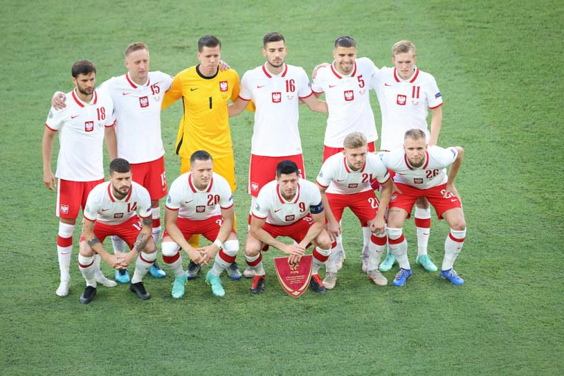 Polacy przedłużyli swoje szanse na awans z grupy dzięki remisowi z Hiszpanami /Andrzej Iwanczuk /Reporter /East News