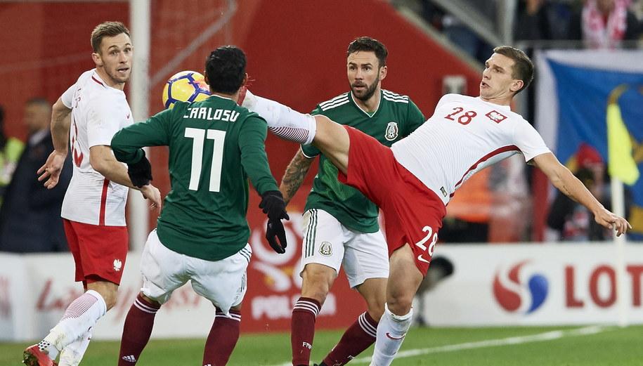 Polacy przegrali z Meksykanami 0:1 /Adam Warżawa /PAP