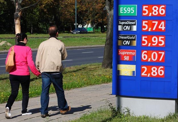 Polacy przestają jeździć samochodami / Fot: Stanisław Kowalczuk /East News