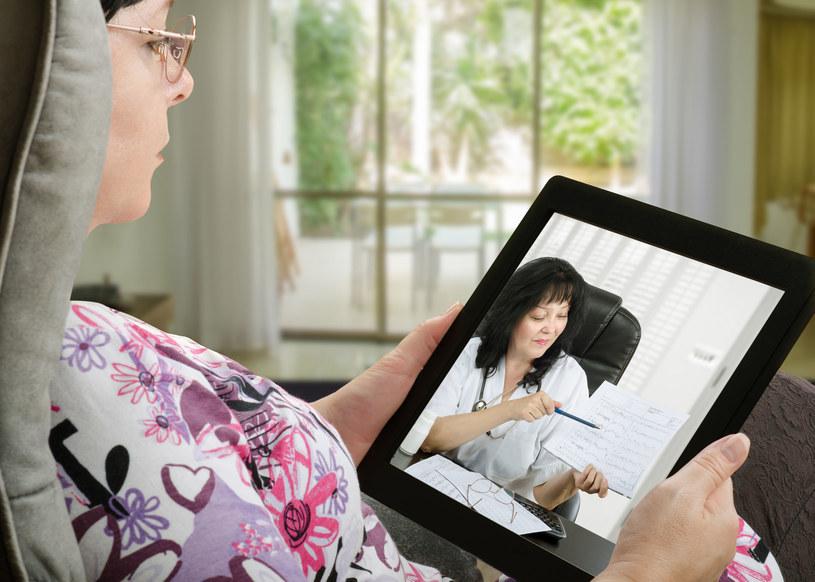 Polacy przychylnie patrzą na perspektywy rozwoju usług e-zdrowia /123RF/PICSEL