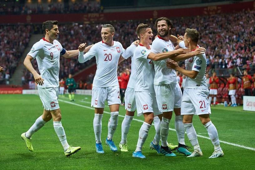 Polacy rozpoczynają misję Euro 2020 /AFP