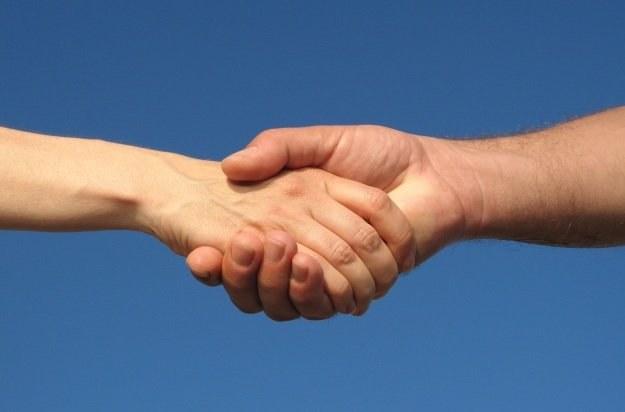 Polacy są chętni do udzielania sobie wzajemnej pomocy w sieci Fot. Sanja Gjenero /stock.xchng