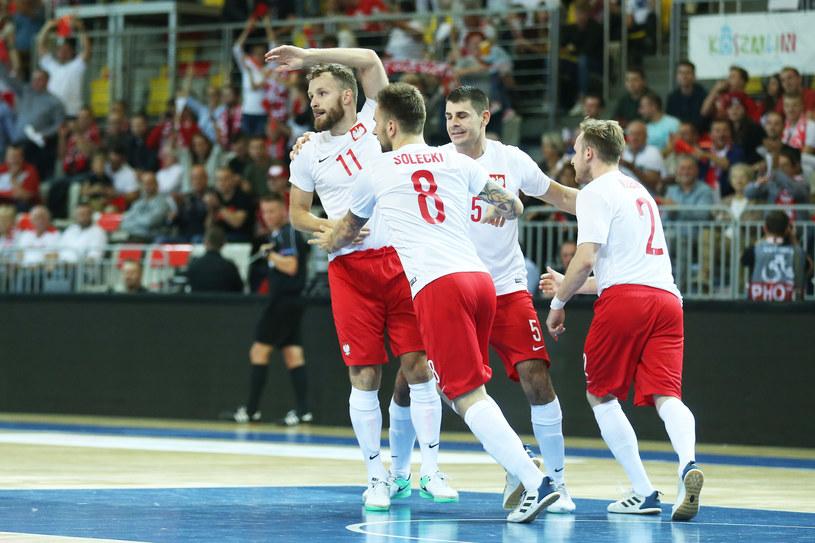 Polacy świętują awans do mistrzostw Europy /Fot. Łukasz Grochala /Newspix
