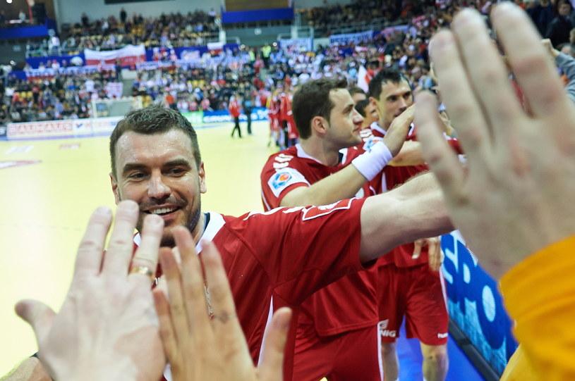 Polacy świętują po pokonaniu Rosjan /Adam Warżawa /PAP