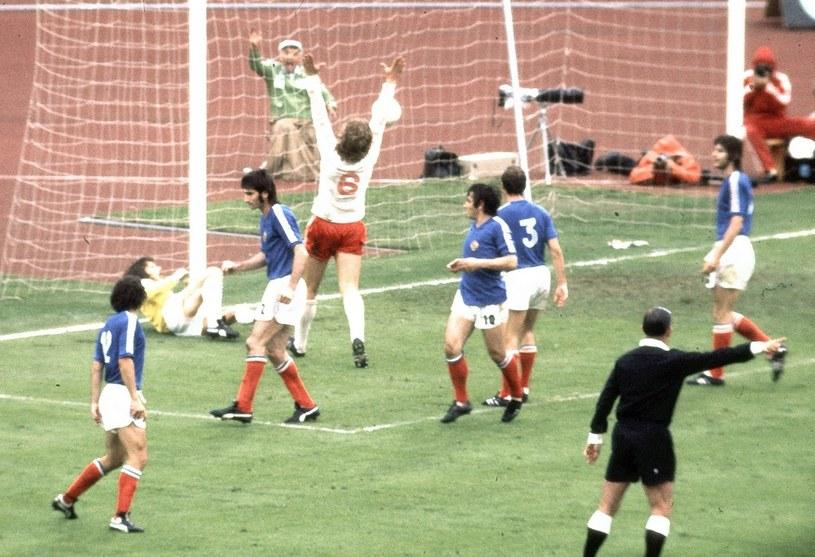 Polacy w 1974 roku grali jak z nut. Zdjęcie z meczu z Jugosławią (2-1) z drugiej rundy MŚ /East News