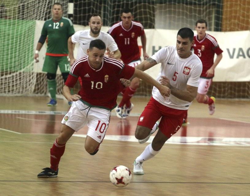 Polacy w meczu z Węgrami /PAP/EPA