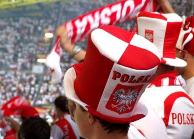 Polacy wciąż tłumnie odwiedzają strefę kibica w Warszawie /RMF