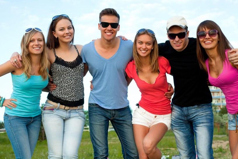 Polacy wolą funkcjonalne, niż modne ubrania /123RF/PICSEL