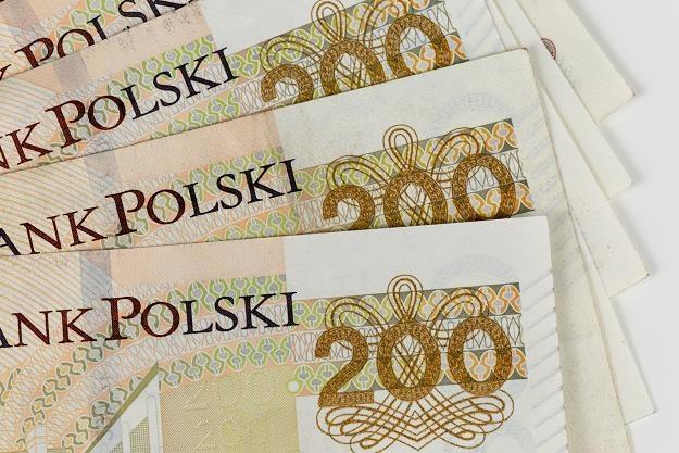 Polacy wreszcie zarabiają ponad 5 tys. zł /©123RF/PICSEL